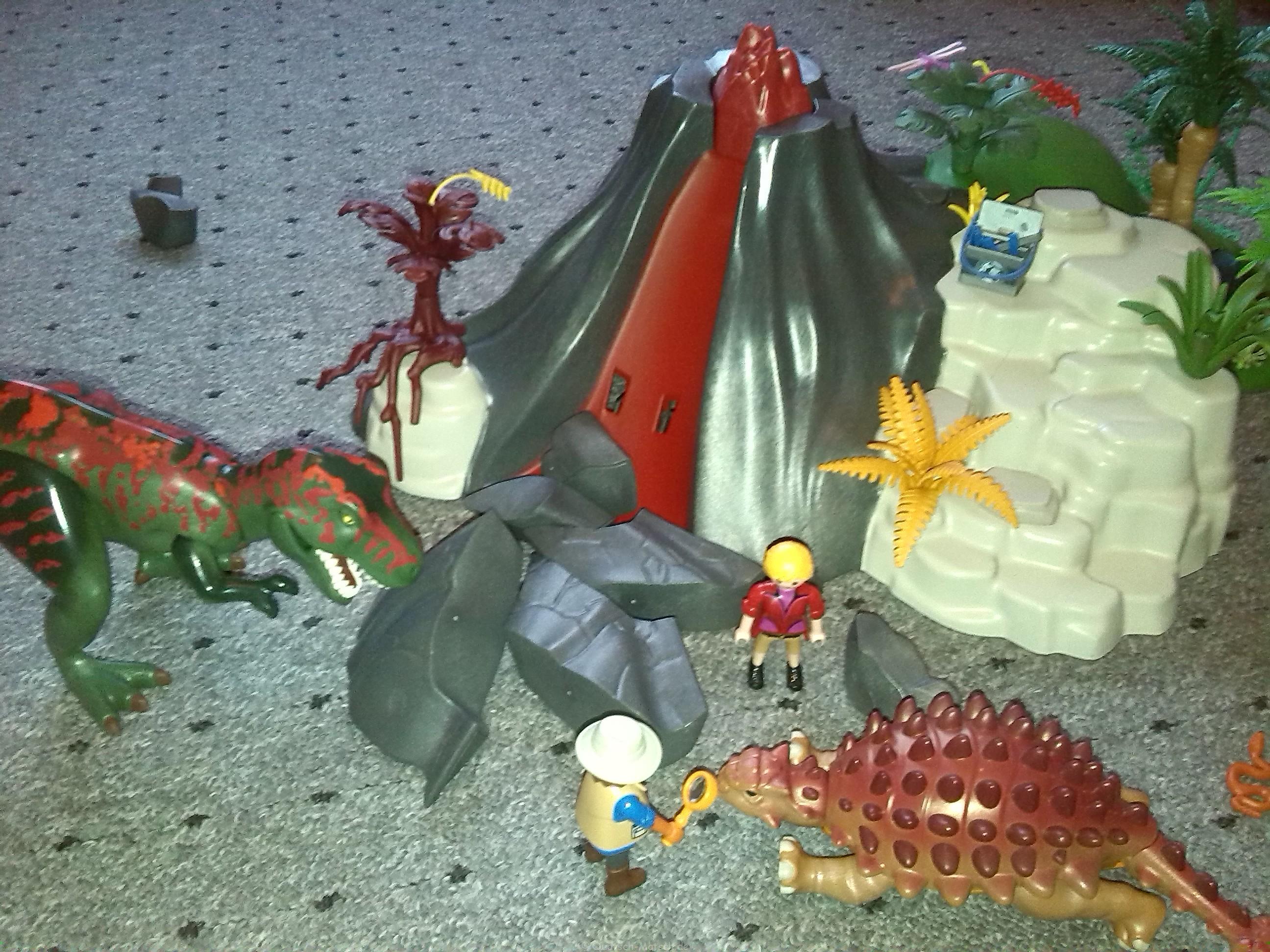 Getestet – Playmobil – T-Rex und Saichania beim Vulkan