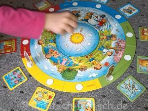 Spielanleitung Rund um den Kalender von Ravensburger