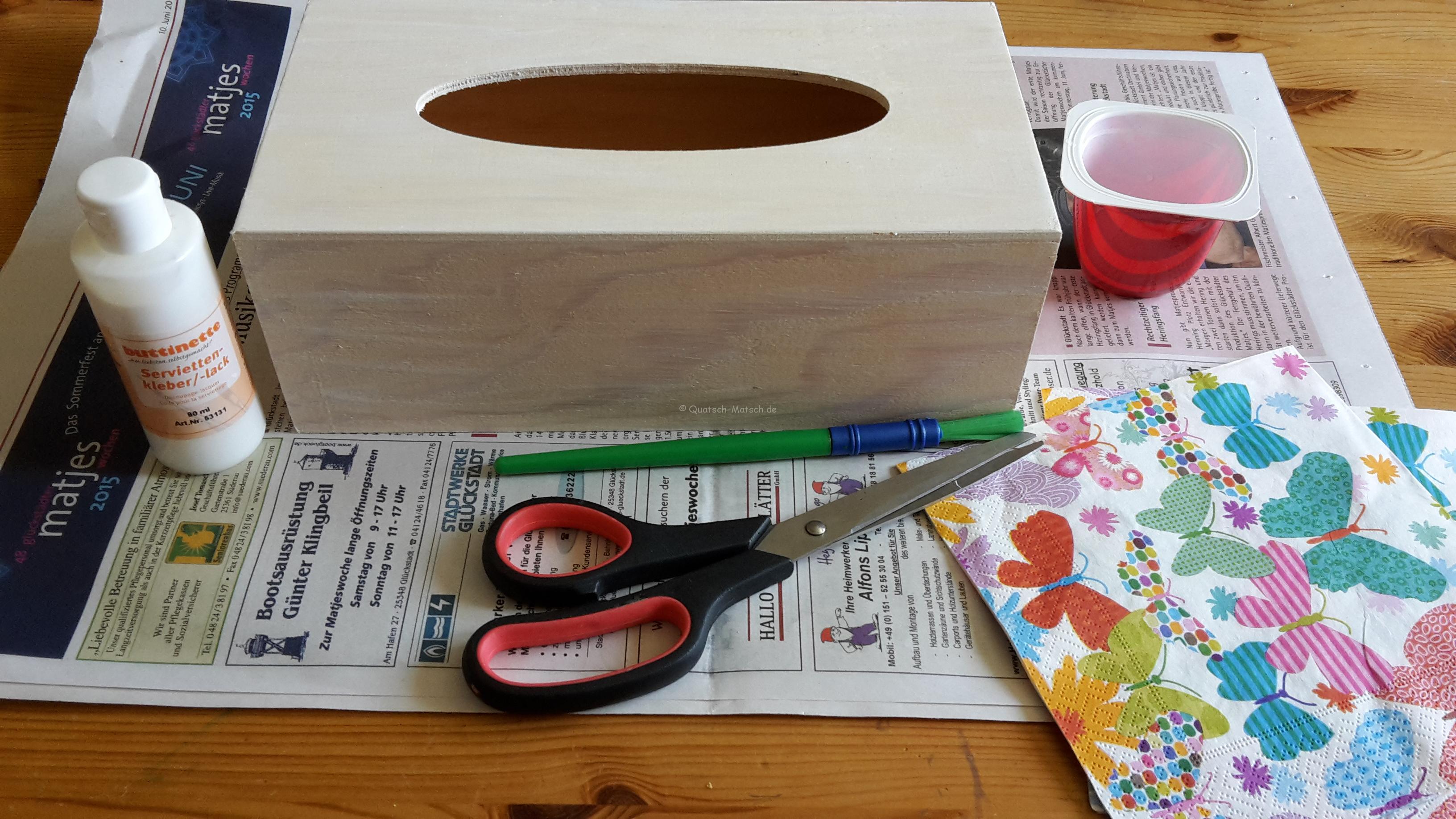taschentuchbox mit serviettentechnik diy der familienblog f r kreative eltern. Black Bedroom Furniture Sets. Home Design Ideas