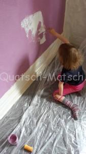 Wand streichen mit Kindern
