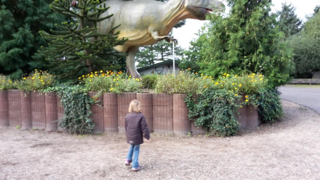 Eingang Tolk Schau T-Rex