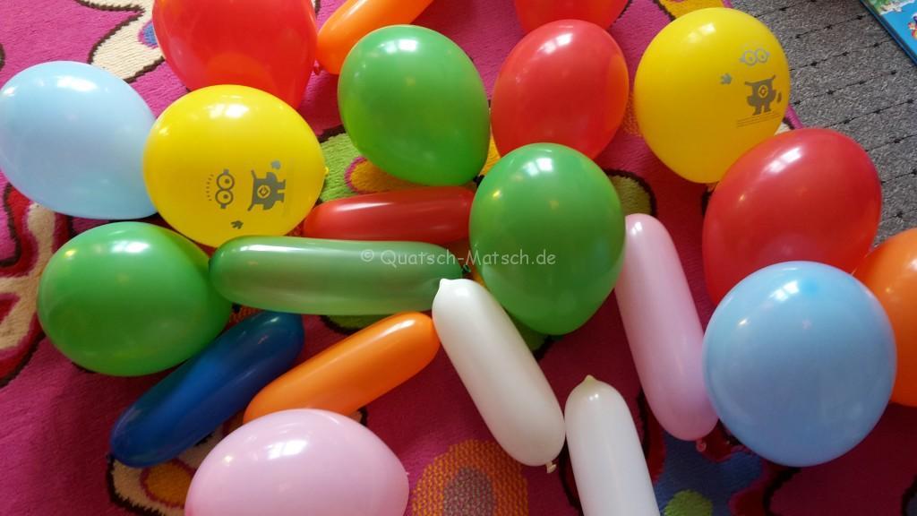 Luftballons aufpusten