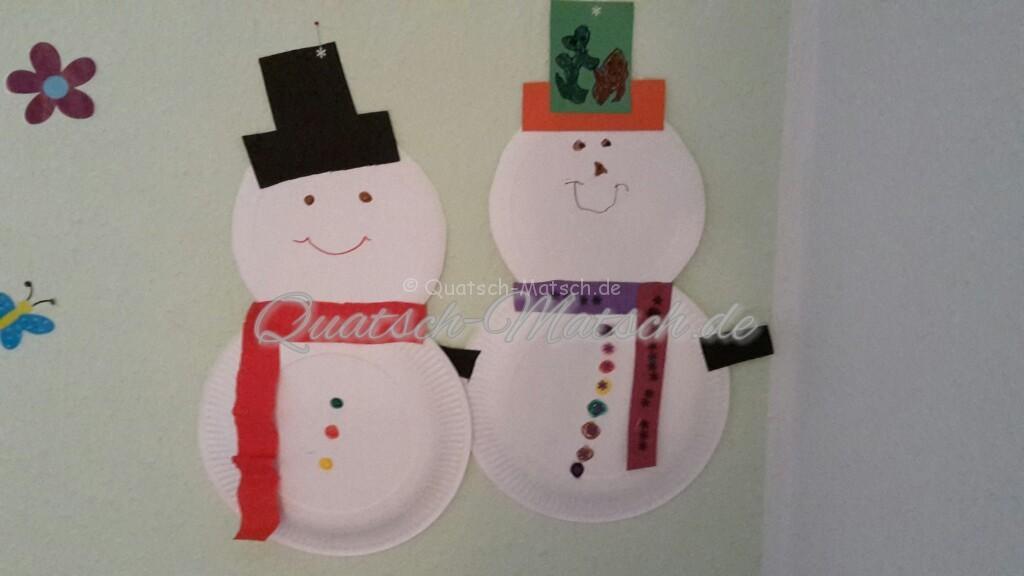 Schneemann aus Pappteller