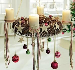 adventskranz-christbaumkugeln-glnzend-kinderbunt-ideen-diy-deko-l-d916b72102205b62