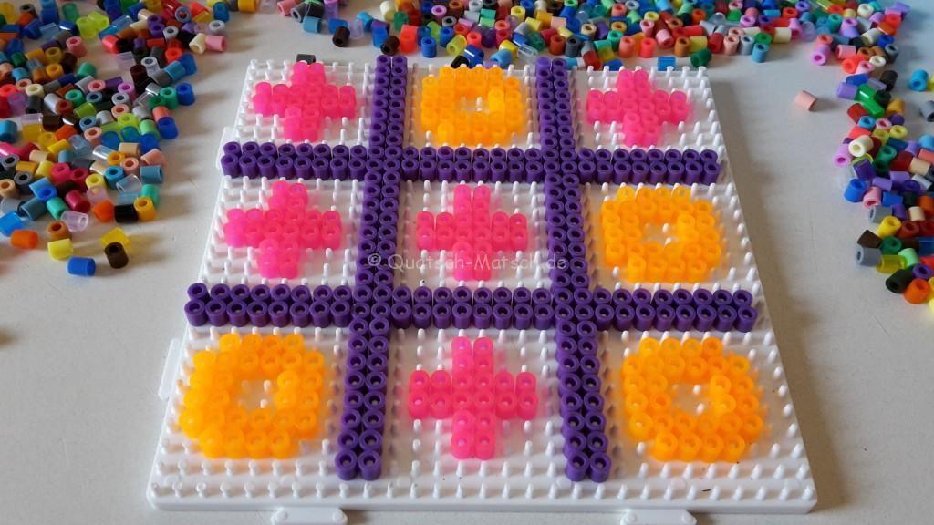 Tic Tac Toe aus Bügelperlen