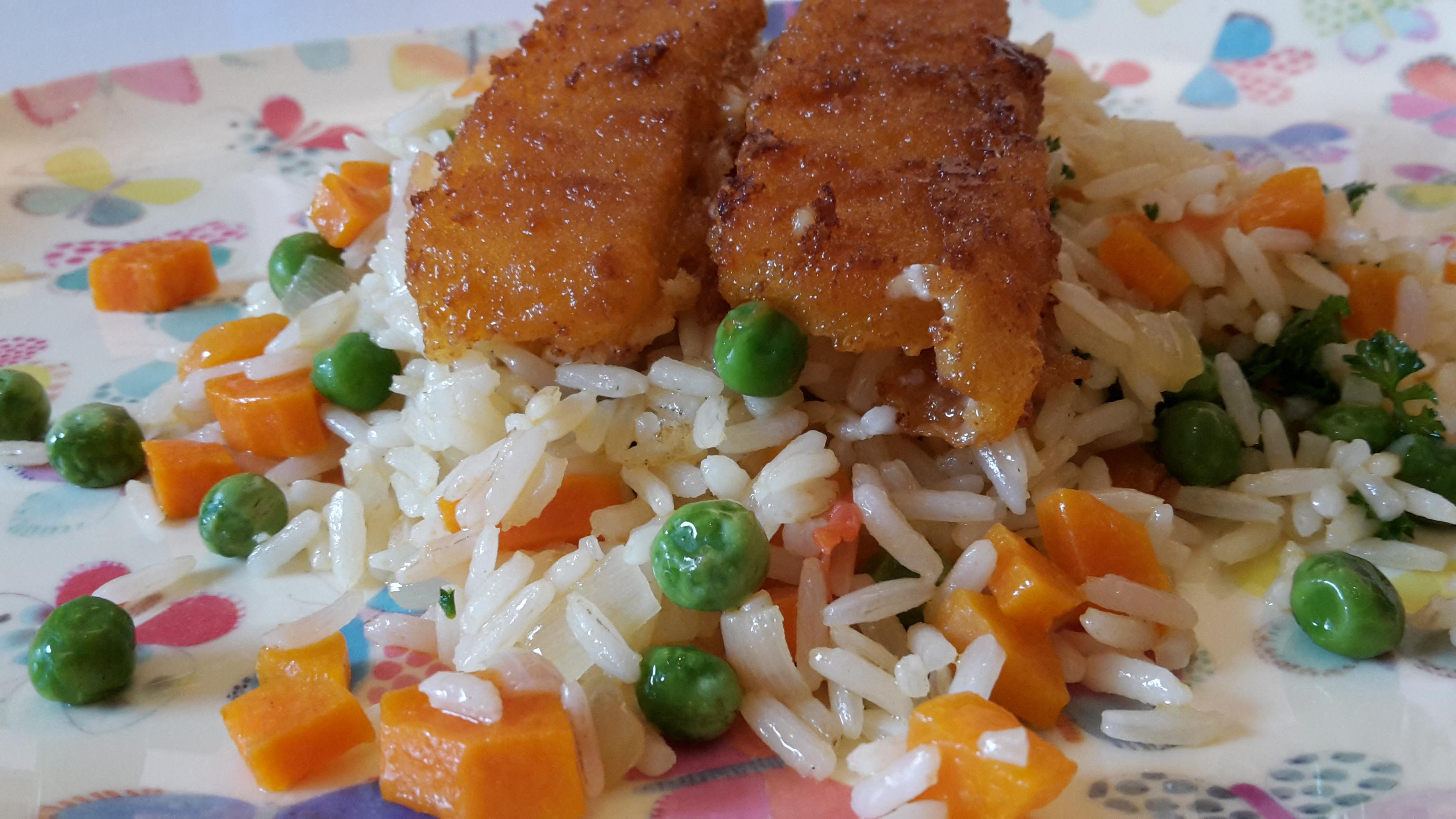 Gemüsereis mit Fischstäbchen