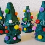 Weihnachtsbäume aus Eierkartons basteln