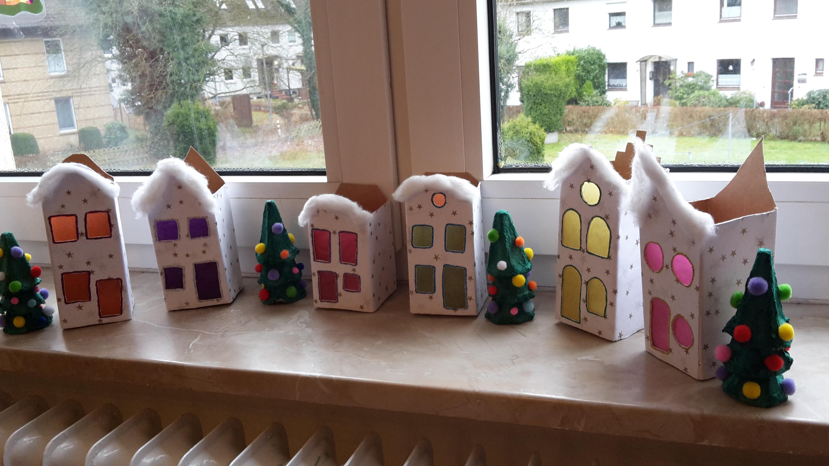 Wir basteln unsere Weihnachsstadt – Upcycling