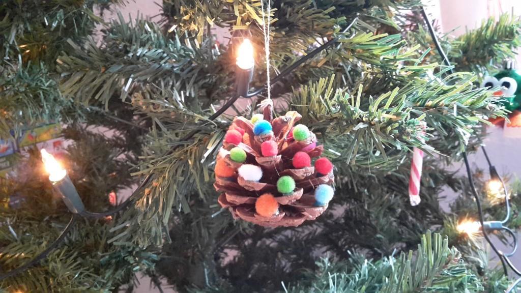 Weihnachten basteln kinder weihnachtsbaum upcycling
