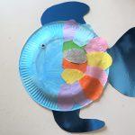 Regenbogenfisch aus Pappteller mit Kindern basteln