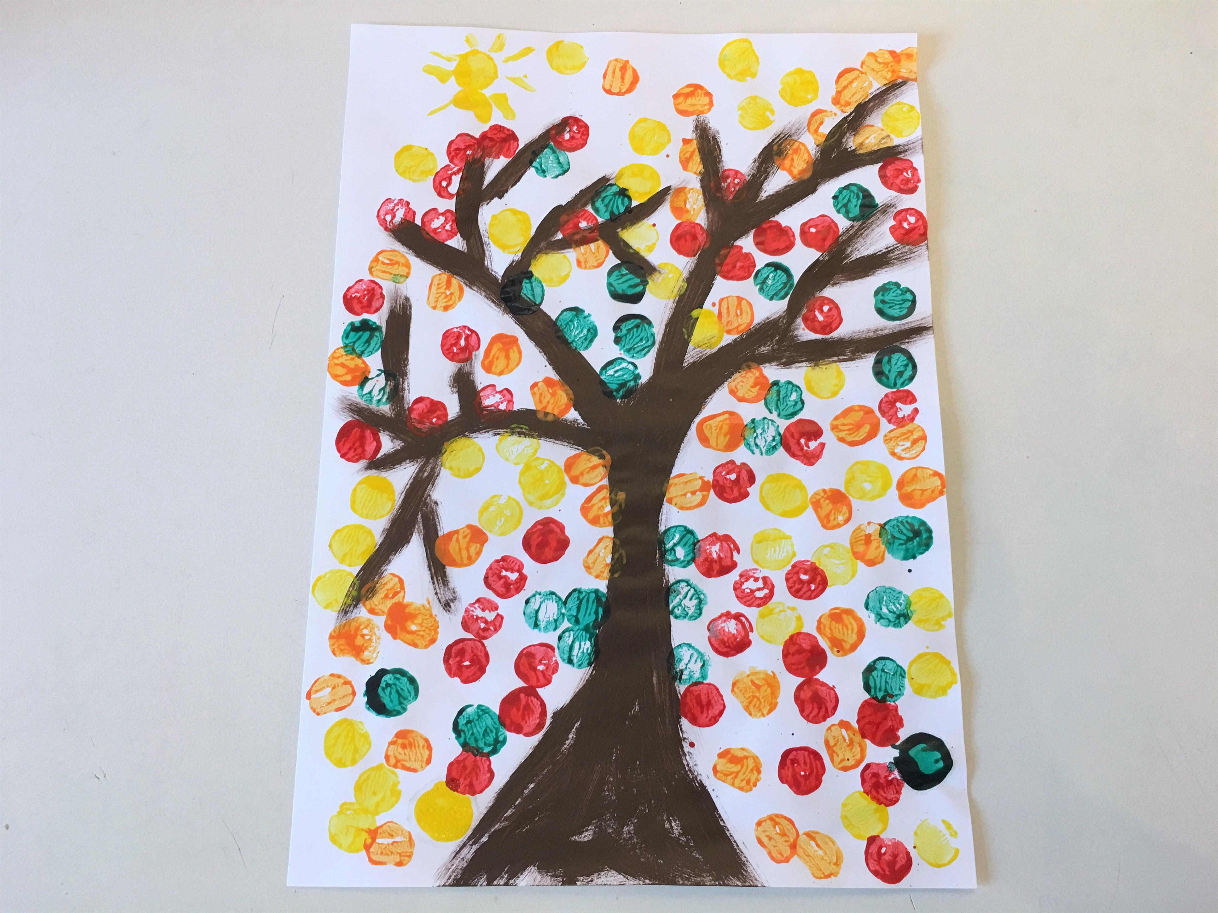 Herbstbaum mit korken gestalten basteln mit kindern for Basteln mit krippenkindern herbst