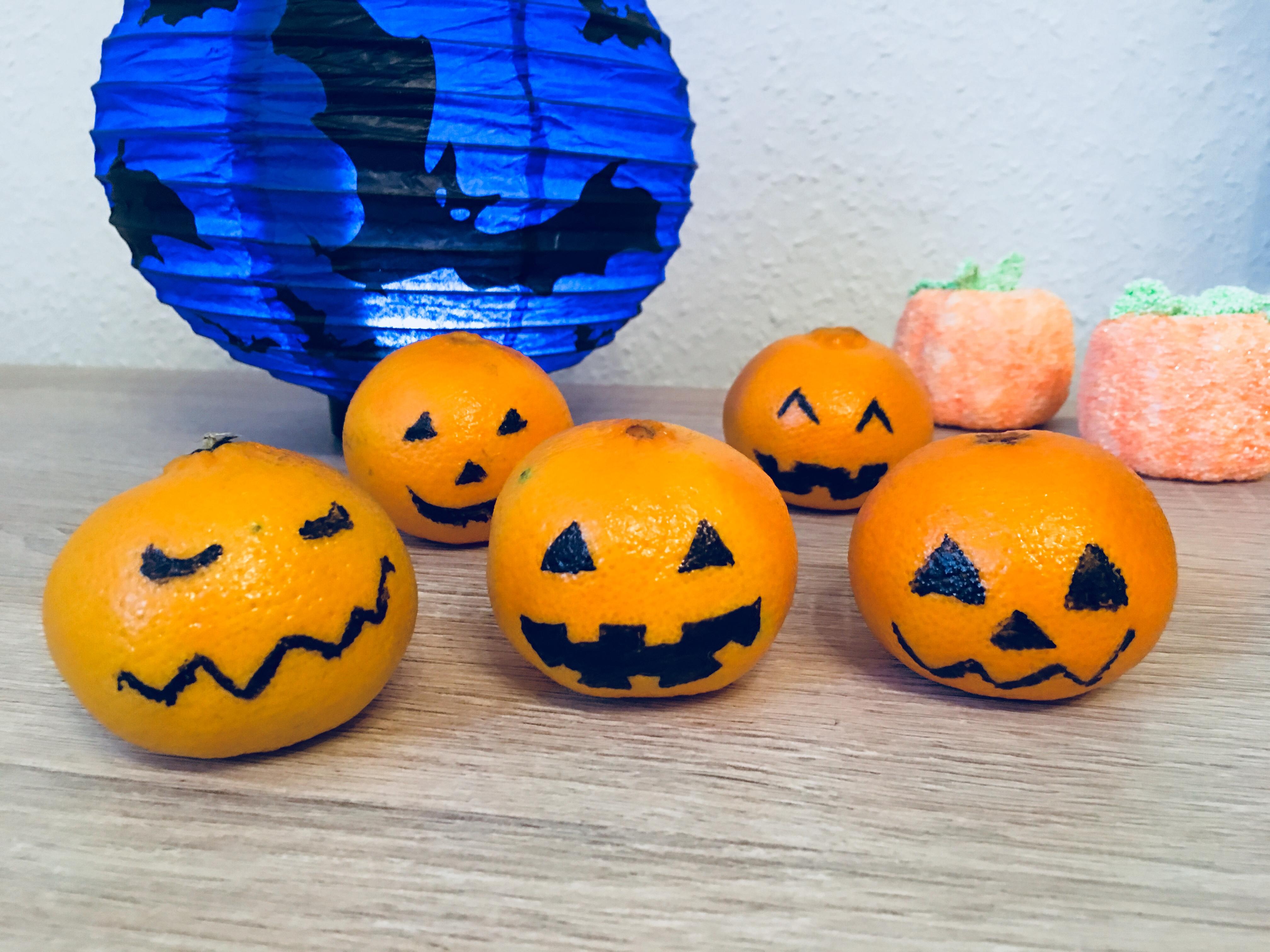 halloween kürbis clementine fake