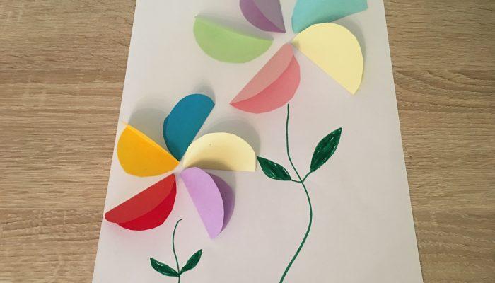 Bunte Frühlingsblumen aus Papier – Basteln mit Kindern