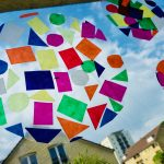 Kunterbunte Fensterdeko mit Kindern gestalten