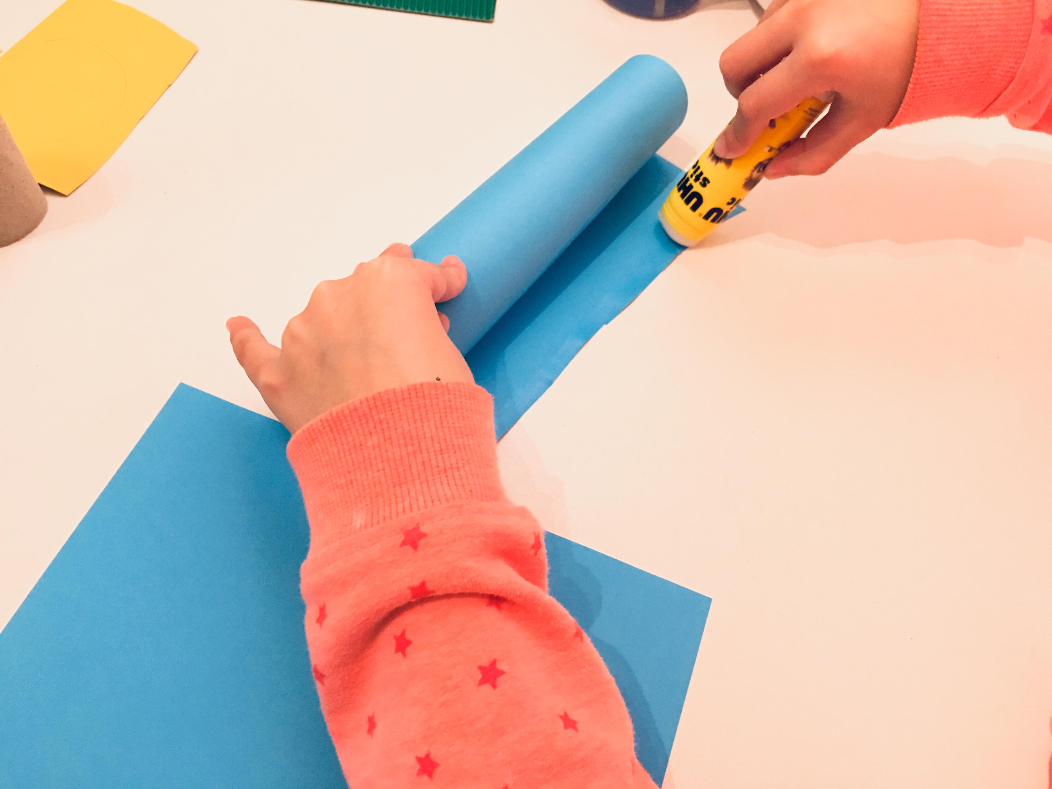 kerzen aus toilettenpapierrollen basteln f r weihnachten der familienblog f r kreative eltern. Black Bedroom Furniture Sets. Home Design Ideas