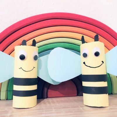 Bienen aus Toilettenpapierrollen – Basteln im Frühling