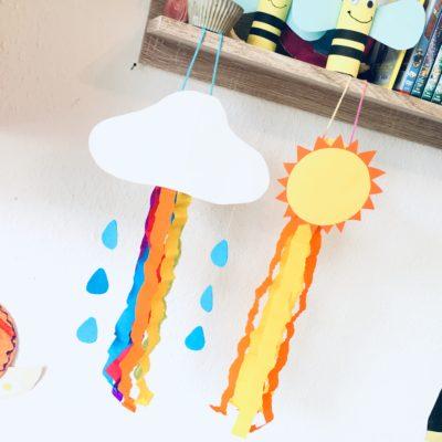 Bunte Windspiele aus Toilettenpapierrollen – Basteln mit Kindern