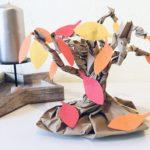 Herbstbaum aus Papier basteln – Upcycling im Herbst