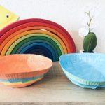 Bunte Schalen aus Pappteller basteln – Kreativ mit Kindern