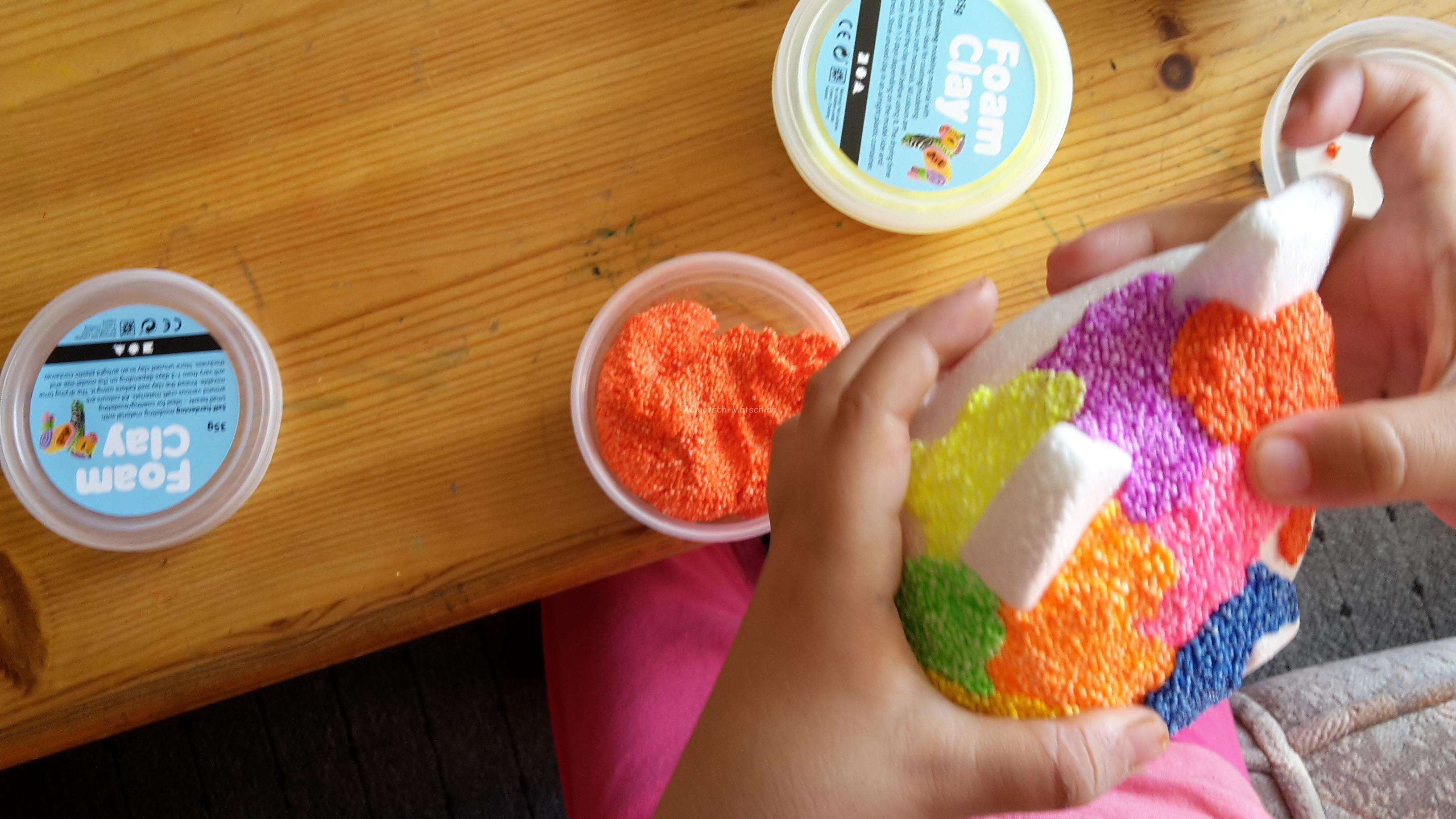 Basteln und modellieren mit Foam Clay