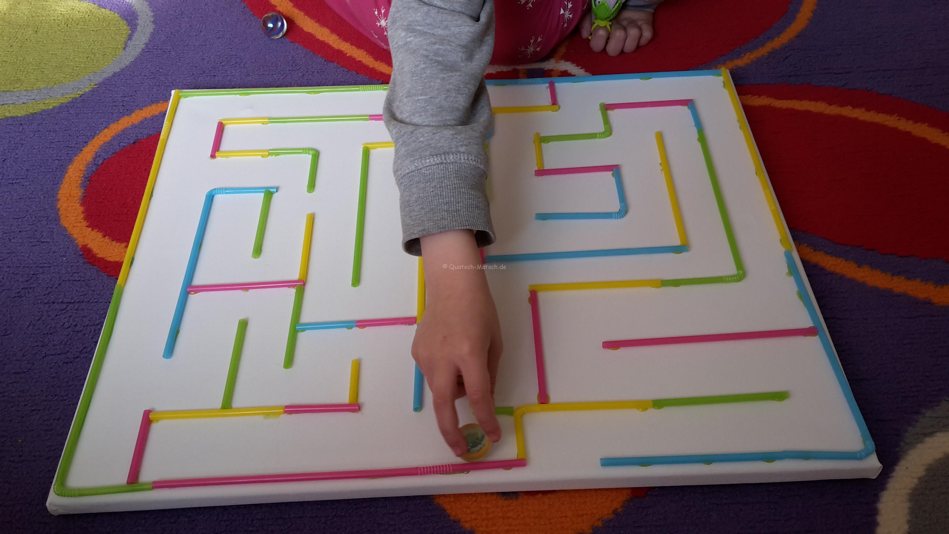 Strohhalm Labyrinth Spielidee – DIY