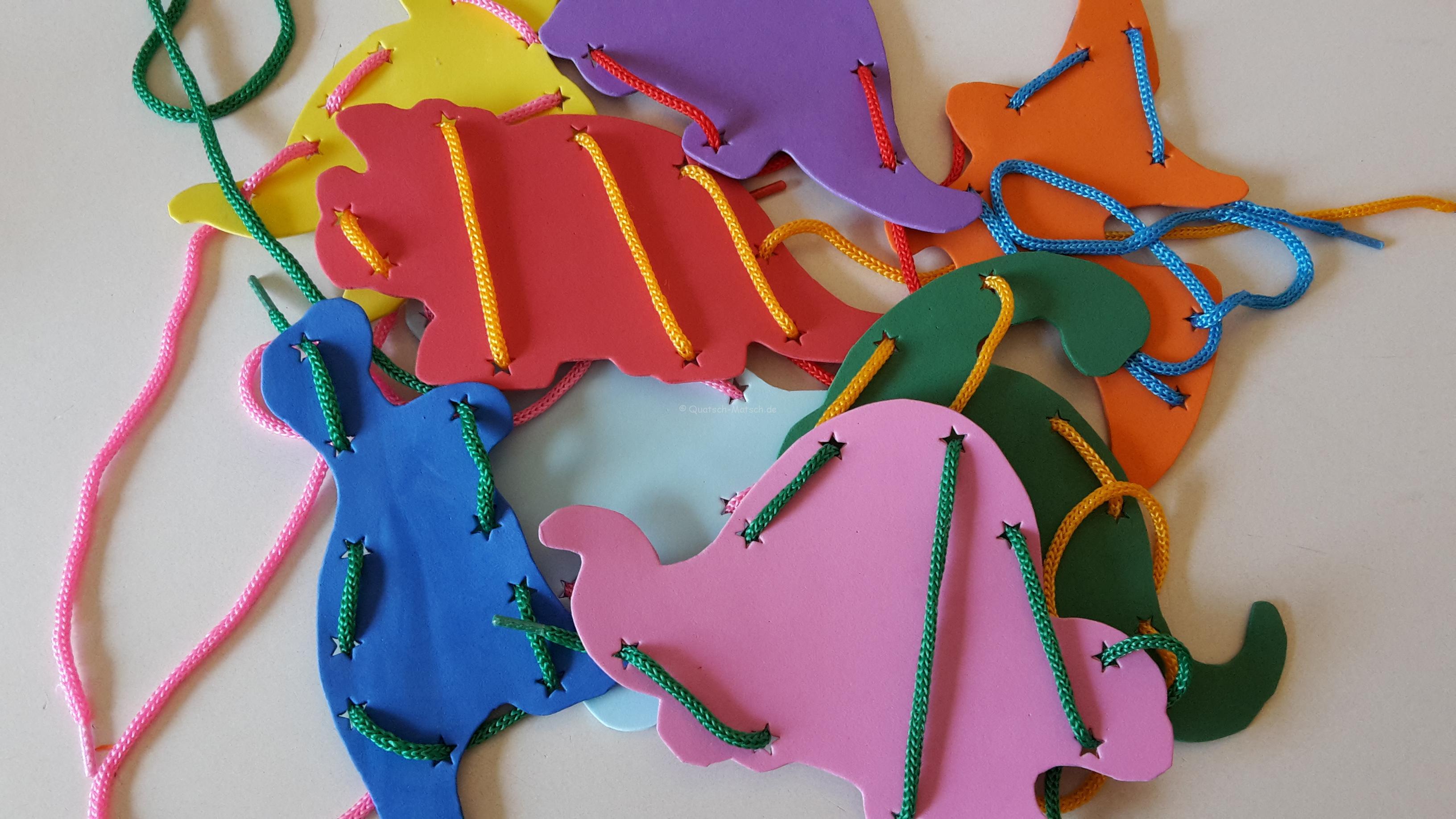 Fädelspiel aus Moosgummi selber machen – DIY