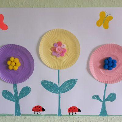 Frühlingsbild mit Muffinförmchen – Basteln mit Kindern