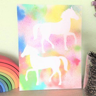 Buntes Pferdebild – Wanddeko mit Kindern machen
