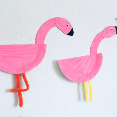 Flamingo aus Pappteller – Basteln mit Kindern